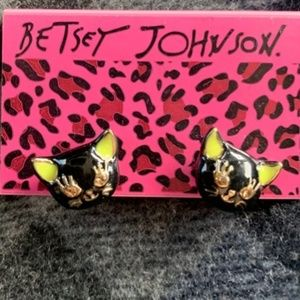 NWT Betsey Johnson Cameo Critters Cat Earrings